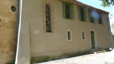 La Pomarède - l`église et le presbytère